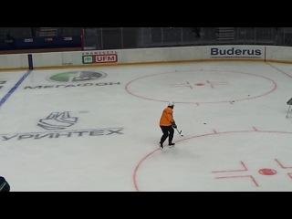 Александр Свитов (в желтом) на тренировке 1 сентября