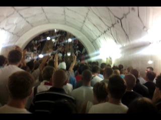 Болельщики цска против спартака в метро !