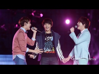121125 Minho Just The Way You Are with Kyuline @ SMTOWN in Bangkok