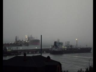 Как облако дождя движеться по морью в мою сторону.