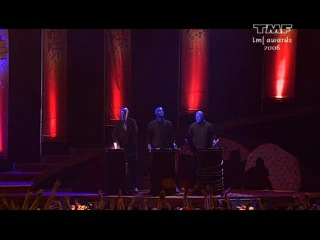 dj tiesto & blue man group - dance4life (live at tmf awards 2006 amsterdam 13-10-2006)
