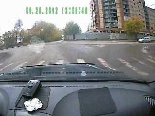 Сухой Лог. ТЕТЕНЬКА повернула на светофоре направо.....