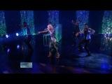 Lady Gaga - Poker Face & Interview (Live @ Ellen 12-05-09)