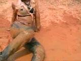 Девушки в грязи 004