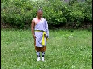 Шаолиньский Монах Ши Ян Бин проводит основы шаолиньского ушу в России