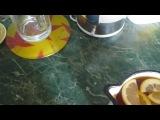 Холодный чай в жаркую погоду))