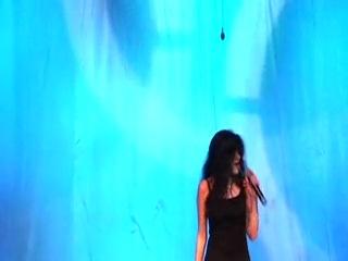 Концерт Уитни Хьюстон поет Санда