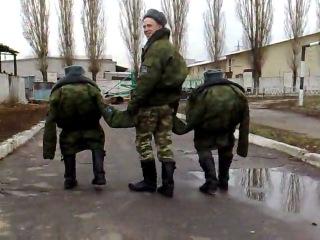 солдат карлик