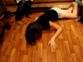 Пьяную девчонку жестко выебали без сознания очень