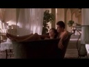 Анджелина Джоли и Антонио Бандерас голые в ванной.