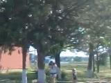 Лолитка катаеться на роликах!!!:))))))))))