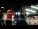 Когда боксер не умеет себя вести, впрягается борец!