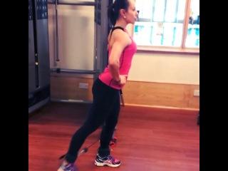 Bootie kicking Glute workout- 4x20 diagonal cable kick(each leg) 4x20 Glute pushdown Nathaliamelo