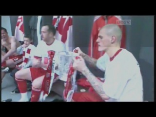 Liverpool dressing room after carling cup final win 26-02-12