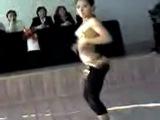 казашка танцует