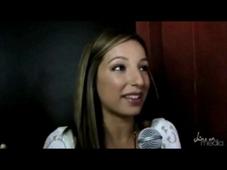 Vanessa Lengies talks about singing on Glee and compliments Lea and Ambers voices