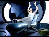 Знаменитая кушетка Марка Ньюсона в клипе Мадонны