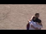 Очень позитивное футбольное видео, на котором известный комментатор Георгий Черданцев комментирует дворовой матч в футбол (Not Vine)
