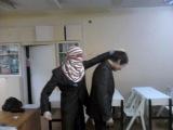 ужасное убийство в сирии, слабонервным не смотреть =(