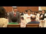 Преподобный Мун Сон Мён подбирает пары для помолвки молодым членам Церкви Объединения