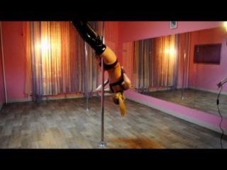 Преподаватель Оксана С. sexy pole dance