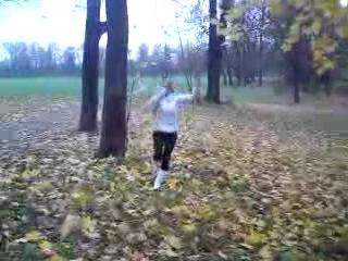 Под осенний мотивчик...почему бы не спеть и не станцевать)