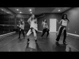 Тейлор Свифт - I Knew You Were Trouble танцует Селена Гомез со своей подтанцовкой