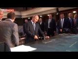 Владимир Путин сыграл на рояле в Театре Наций