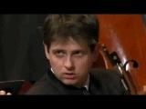 Les soeurs Labèque et l'Orchestre de Paris interprètent Bernstein Dubugnon et Prokofiev