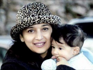 Творение: Madhuri Dixit - Happy Wedding Anniversary to the Dixit Nene Couple