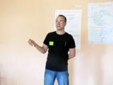 Вадим продаёт ручку компании AMD на тренинге в Улан-Удэ