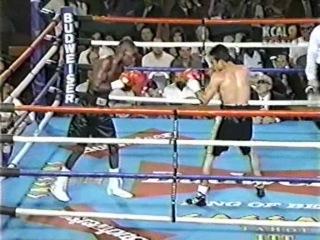 1997-09-27 Juаn Маnuеl Маrquеz vs Vinсе Ноwаrd (WВО NАВО Fеаthеrwеight Тitlе)