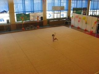 я на соревнованиях по гимнастке в 12 лет .