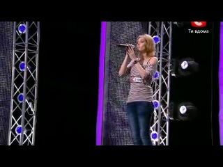 Очаровательные певицы Аида Николайчук и Юлия Герко на украинском телешоу X-фактор