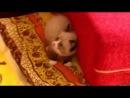 Малыш испугался пылесоса:-)