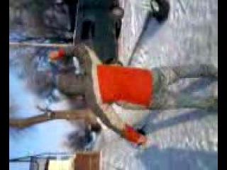 Гриша танцует под таджитскую песню