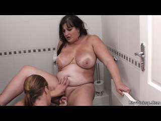 Horny bbw tourist gets dicked in public restroom