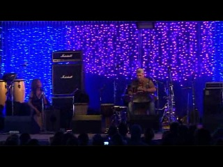 Барабаны Мира, 2011 Famished Road («Изголодавшаяся Дорога»)