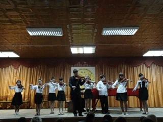 Ансамбль скрипачей детской школы искусств № 8
