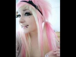 Cyber goth girls vs emo girls