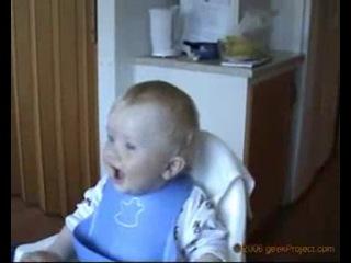 Детский ну очень заразительный смех. Ржачь полнейший!!!