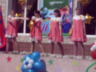 танец кукол на последний звонок