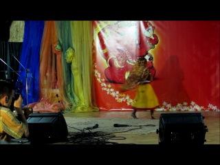 Ванде Матарам - Танцует Махеша Воронкина :) Сахадж фестиваль в Одессе 2011
