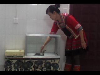 Эффект яда королевской кобры - очковая кобра очкует не по-детски: ))