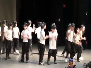 Влад танцует хип-хоп на конкурсе детских садов Восточного округа