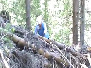 Нить жизни, идём по лесу по врёвке