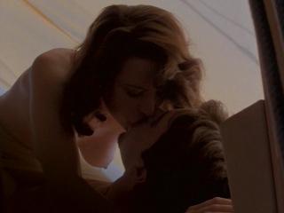 Clip nude ringwald Video molly