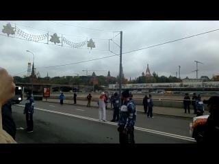 ОЛИМПИЙСКИЙ ОГОНЬ ПОГАС ВО ВТОРОЙ РАЗ. Эстафета в Москве