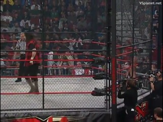 [wwe-zone.ru] Mick Foley vs. Sting - Lockdown 2009 (Six Sides of Steel Cage match for the TNA World Heavyweight Championship)