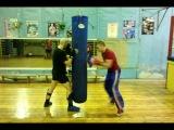 Тренировка скорости и моторики ударов руками (прямых, боковых и снизу).